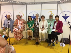 Chairing an international panel at ICN Congress, 2017